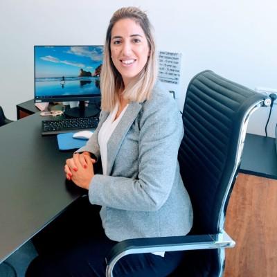 עורך דין חדלות פירעון דנה פלד